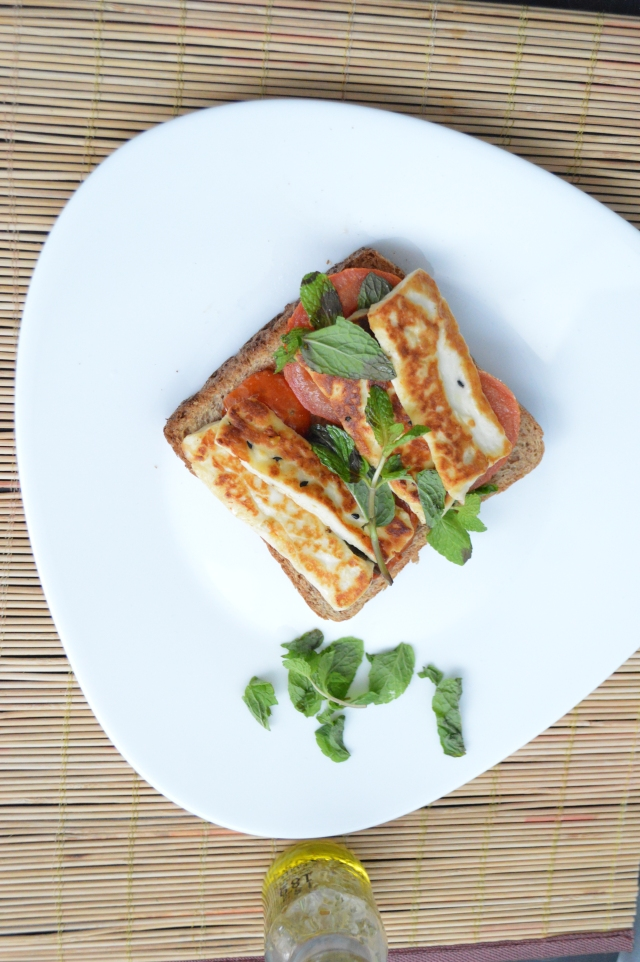 Grilled-halloumi-sandwich