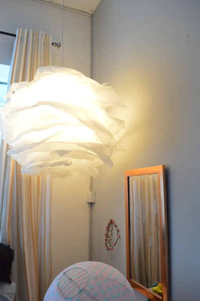 DIY-5-minute-paper-chandelier